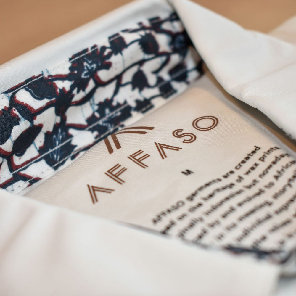Accessorized plain shirt with detail Mini Floral